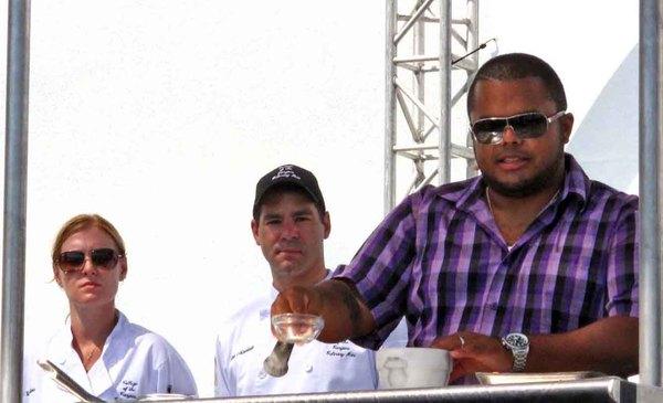 2010-09-09-RogerMookingcookingdemo.jpg