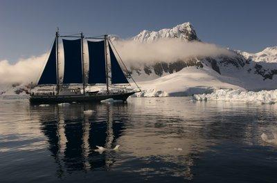 2010-09-22-sailingship.jpg