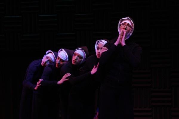 2010-09-28-nuns.jpg