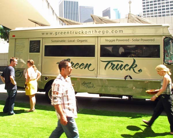 2010-09-30-SmallGreenfoodtruck.jpg