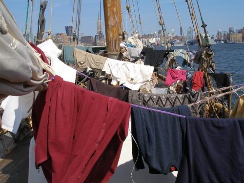 2010-10-04-laundry500.jpg