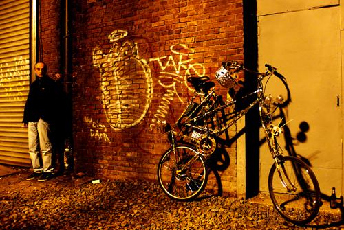 2010-10-08-brooklynstreetart500HUFFPObringtolifenuitblancheNYC2010jaimerojoweb7.jpg