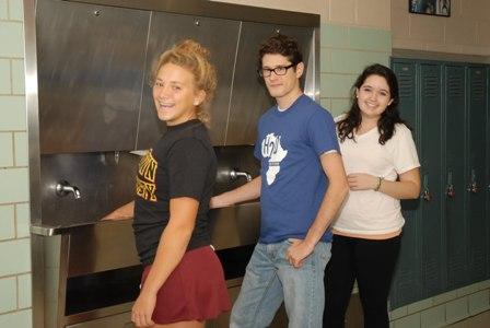 2010-10-15-Nathanandhisfriendswashtheirhands.jpg