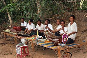 2010-10-20-Cambodia_Music300.jpg