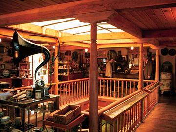 2010-10-23-Klamath_attic.jpg