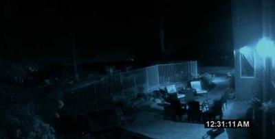 2010-11-01-paranormalactivity2ext_400.jpg
