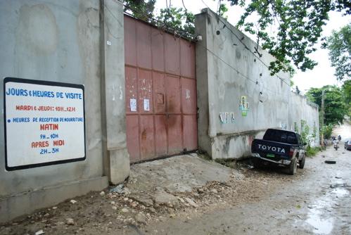 2010-11-10-jail_mirebalais.jpg