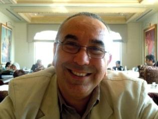 2010-11-15-articletunisiandirector.JPG