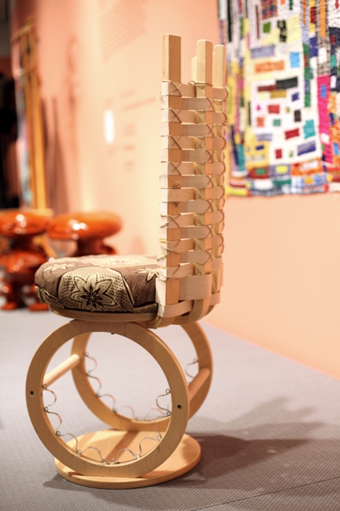 2010-11-19-stoolII.jpg