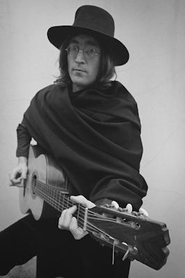 2010-11-29-Lennon_blog_The35_Frame_30_1_1_400px_72.jpg