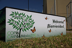 2010-11-30-WelcomeCancun.jpg