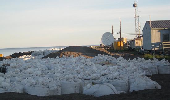 2010-12-01-sandbagskivalinashorehp.jpg