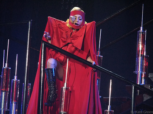 2010-12-04-Gaga.jpg