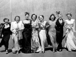 2010-12-09-the_women_the_cast.jpg