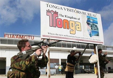 2010-12-14-NZsoldierTonga.jpg