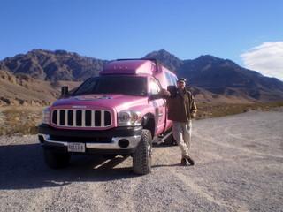 2010-12-20-pinkjeeptours.JPG