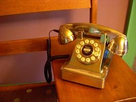 2010-12-30-Telephone_newestcloseup320x200.JPG