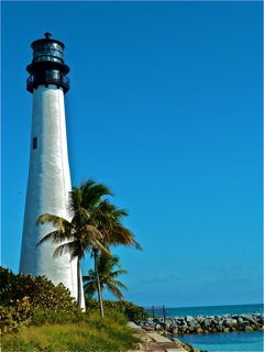 2011-01-04-1BKeyBiscayneCapeFloridaLighthouse.jpeg