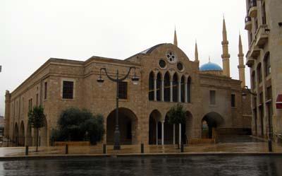 2011-01-09-St.GeorgeCathedralembracedbyAlAminMosqueAbuFadil.jpg