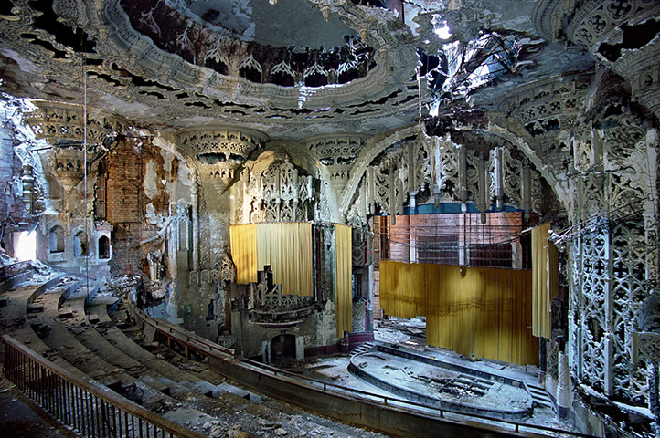 2011-01-11-UnitedArtistsTheaterin006.jpg
