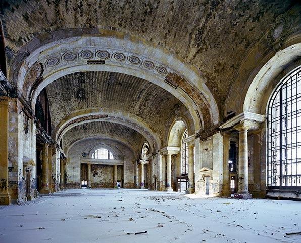 2011-01-11-WaitinghallMichiganCen014.jpg