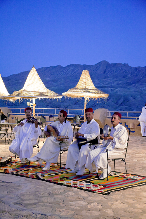 2011-01-16-desertmusiciansjpg.jpg