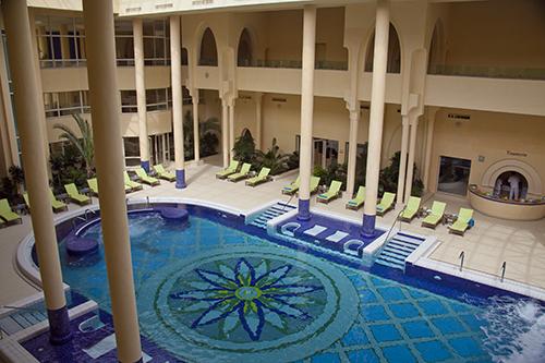 2011-01-16-hotelpool.jpg