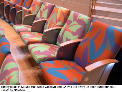 2011-01-18-EmptyMouseHallSeats.jpg