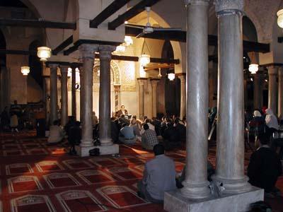 2011-01-30-1TeachingIslaminAlAzharMosqueAbuFadil.jpg