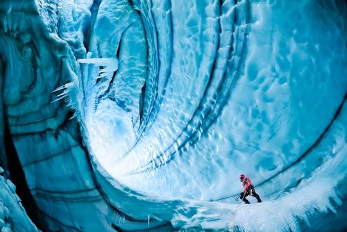 2011-02-09-IcelandCaveTylerStablefordGettyImages2.jpg