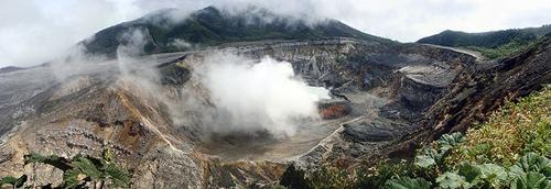 2011-02-10-Poas_volcano_crater500px.jpg