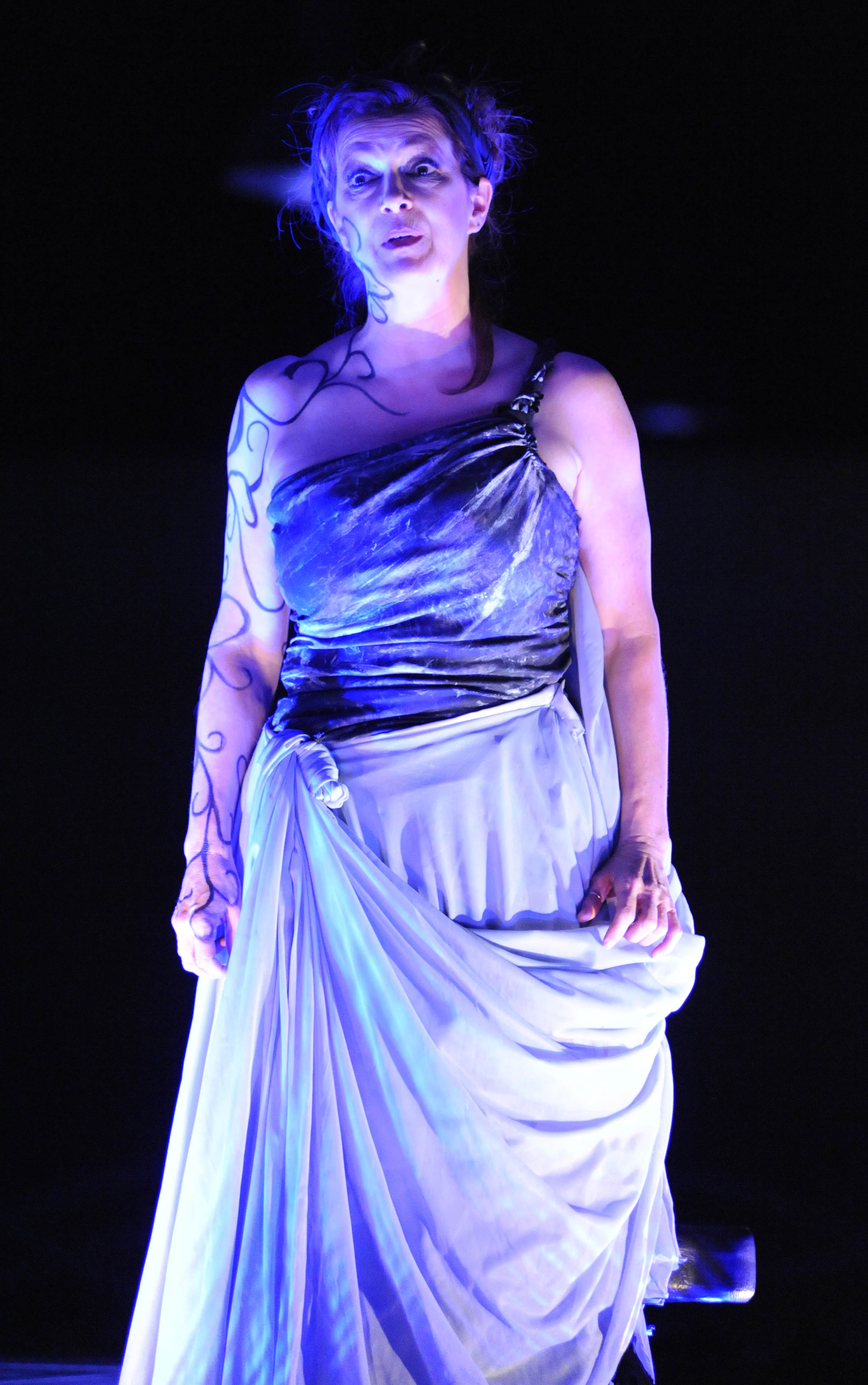 on revenge and medea Medea's revenge demands that a parallel injury be inflicted on her family by marriage as compensation for the injury this marriage inflicted on her family of origin the.