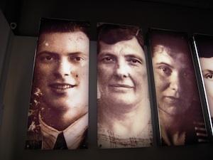 2011-02-19-familyportrait300.jpg