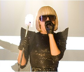 2011-02-21-Gaga.jpg