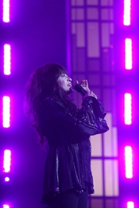 2011-03-04-Ronnie_Spector_evensmallerupright.jpg