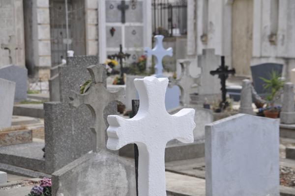 2011-03-09-cemetery.jpg