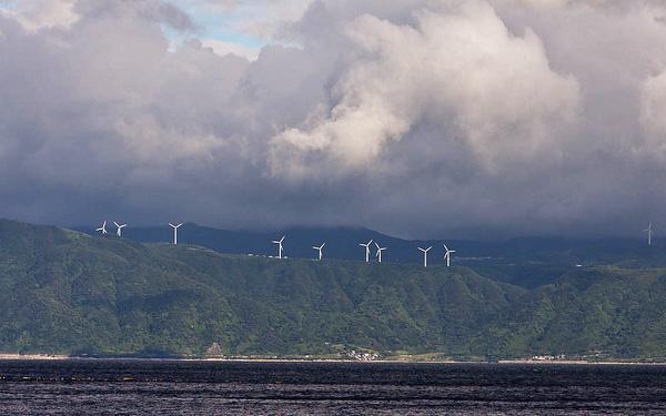 2011-03-17-japanwindfarm.jpg