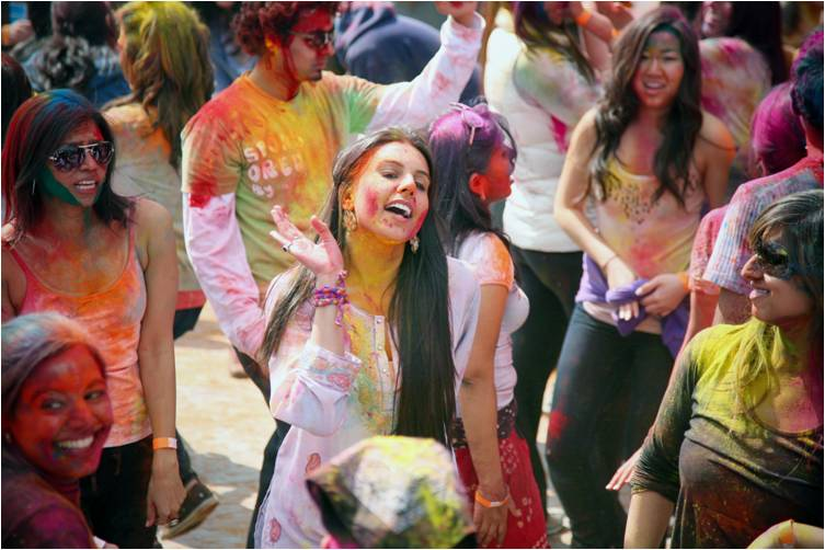 2011-03-22-Indian_Spring_Festival_Colors_Holi_C.jpg
