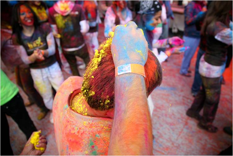 2011-03-22-Indian_Spring_Festival_Colors_Holi_F.jpg