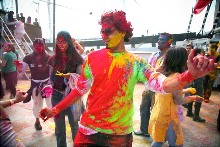 2011-03-22-Indian_Spring_Festival_Colors_Holi_G.jpg