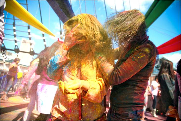 2011-03-22-Indian_Spring_Festival_Colors_Holi_J.jpg