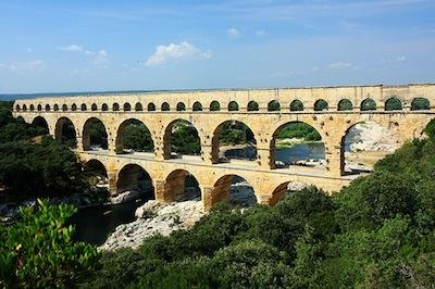 2011-03-25-romanaqueduct
