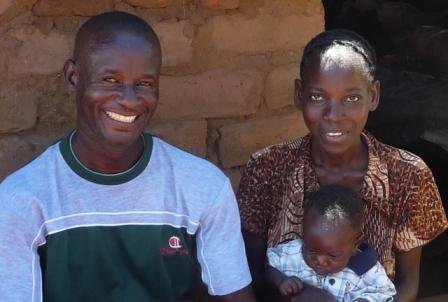 2011-03-29-Zambia_Rodney_caregiver_RAPIDS1.JPG