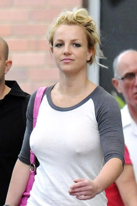 2011-04-01-BritneySpears110528100003.jpg