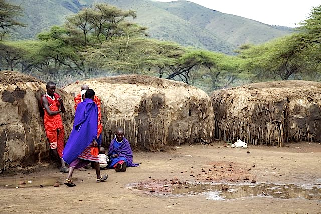 2011-04-05-MaasaiVillage_ChuckWolfe1.jpg