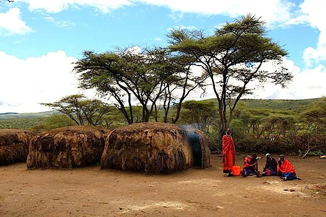 2011-04-05-MaasaiVillage_ChuckWolfe2.jpg