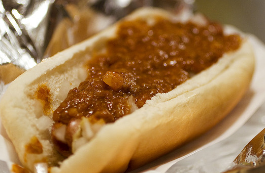 2011-04-05-chili_dog.png