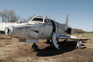 2011-04-07-brokenplane1.png