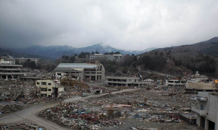 2011-04-22-Waseda_Relief_B.jpg
