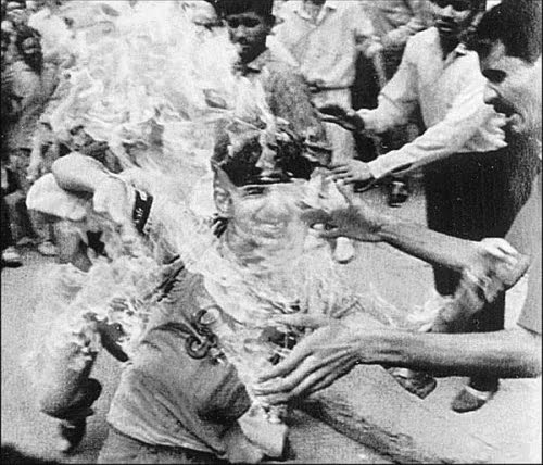 2011-04-28-A_Sikh_boy_being_burnt_alive_1984.jpg